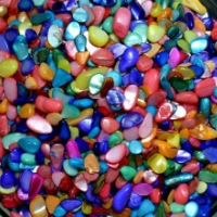 Перламутр галтовка цветной (средняя фракция, 5-10 мм), натур. 100 гр/упак
